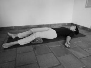 Comment soulager le mal de dos avec le yoga, en relaxation