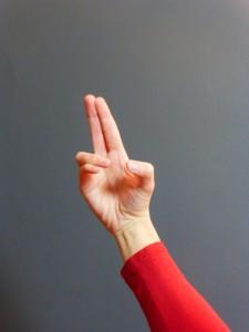 position de la main dans la respiration alternée
