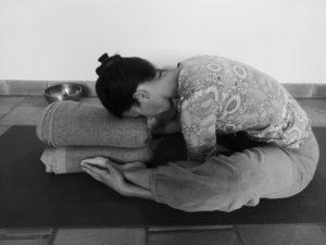 séance de yoga pour bien dormir