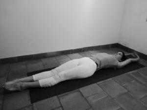 exercice de yoga pour les ballonnements intestinaux