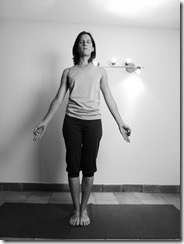 tadasana : posture debout pour augmenter son ancrage